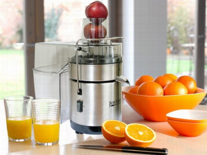 Juicer, fresh juices - portion of energy